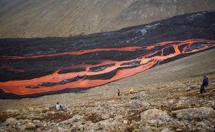 L'éruption volcanique près du Mont Fagradalsfjall, le 26 août 2021.
