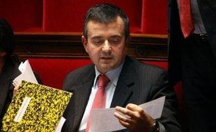 """Le secrétaire d'Etat à l'Outre-mer, Yves Jégo s'est réjouit de l'accord de sortie de crise en Guadeloupe signé mercredi soir Pointe-à-Pitre, après un """"chemin long et douloureux""""."""