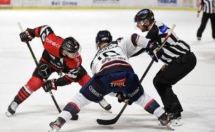 Les Boxers de Bordeaux ont de nouveau pu jouer dans la patinoire Mériadeck.