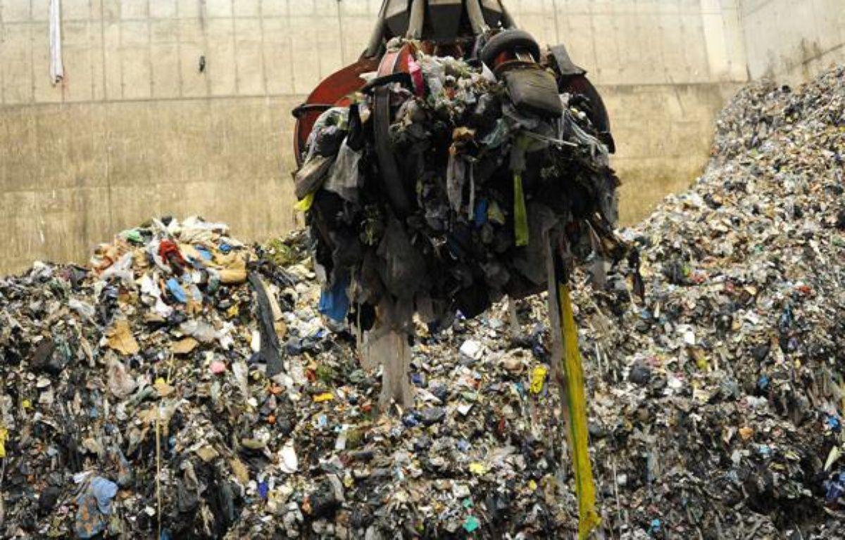 Usine d'incinération des déchets à Fos sur Mer. – TSCHAEN/SIPA