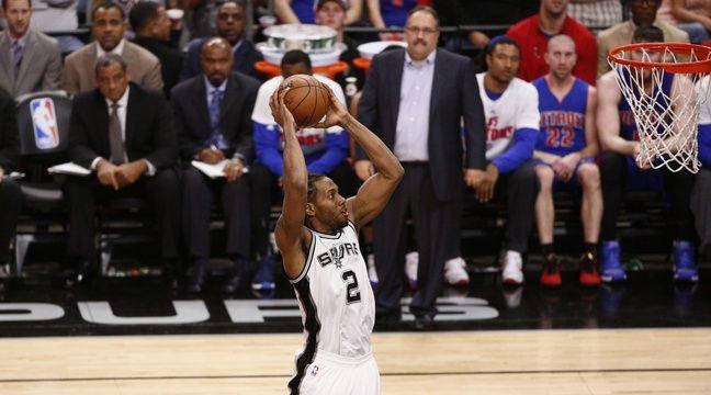 Kawhi Leonard et les San Antonio Spurs sont sur une impressionnante série de 38 victoires de suite à domicile en NBA. – SIPANY/SIPA