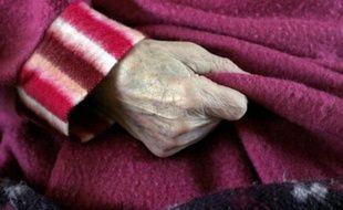 Toulouse se place cette semaine au coeur de la lutte contre la maladie d'Alzheimer en accueillant le principal congrès mondial sur les essais thérapeutiques et en déposant vendredi à Paris sa candidature comme Institut hospitalo-universitaire (IHU), leader national en gérontologie. AFP PHOTO FRED TANNEAU AFP PHOTO / FRED TANNEAU