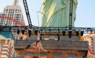 Brandon Pereyda, un membre du Cirque du Soleil, le 26 février 2015 à Las Vegas