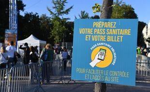 Un panneau annonçant un contrôle du pass sanitaire. (illustration)