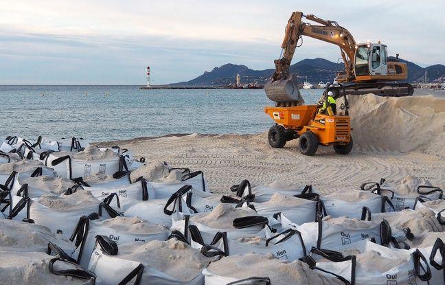 D'énormes sacs de sable sont aussi acheminés par voie terrestre