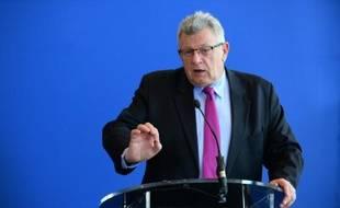 Le secrétaire d'Etat au Budget Christian Eckert, lors d'une conférence de presse au ministère de l'Economie à Paris, le 13 avril 2016
