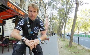 Jérôme Piot, coursier à vélo depuis 2014, a longtemps travaillé pour des plateformes spécialisées dans les livraisons de plateaux-repas.