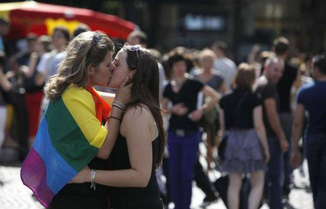 gay pride paris nombre de personnes