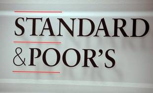 """L'agence Standard and Poor's (SP) a annoncé jeudi avoir abaissé d'un cran à """"CCC"""", la note de la dette de Chypre à l'heure où le pays tente de négocier un nouvel plan d'aide avec ses créanciers de l'Union européenne et du FMI."""