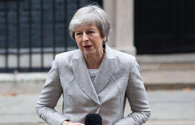 La Première ministre, Theresa May, devant Downing Street le 22 novembre 2018.