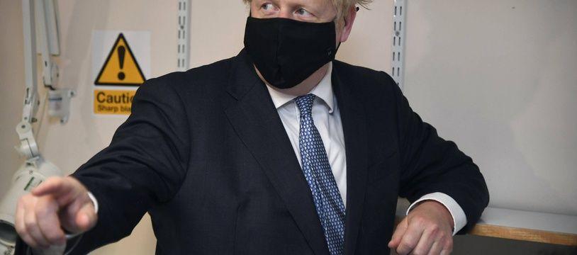 Le Premier ministre Boris Johnson veut élargir la vaccination contre la grippe.