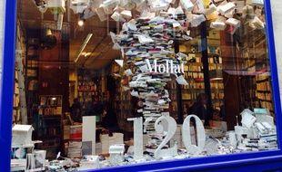 La vitrine de la librairie Mollat pour ses 120 ans.