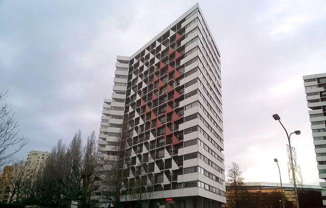 Photo prise le 12 janvier 2016 de l'immeuble où vivait Alain Ghozland, conseiller municipal retrouvé mort à Créteil.