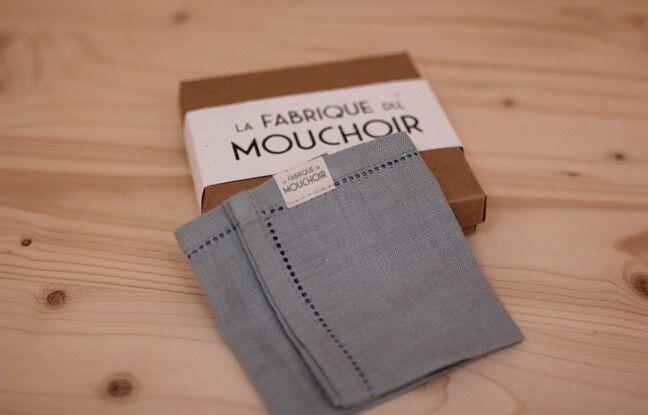 Les mouchoirs en tissu de La Fabrique du mouchoir sont tissés en lin et vendus 25 euros l'unité.