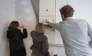 Vendredi 23 janvier 2015, Rachel, coach en information énergétique a donner des conseils à Perrine et Pierre pour moins consommer d'énergie dans leur futur logement.