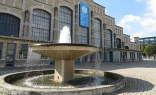 Lyon, le 1er octobre 2014 Anciens abattoirs reconvertis en salle de concert d'une jauge maximum de 17 000 spectateurs, la Halle Tony Garnier fête ses 100 ans.