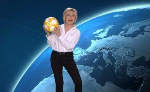 Evelyne Dhéliat dans un clip promo de TF1 à l'occasion de la Coupe du monde de football féminine.