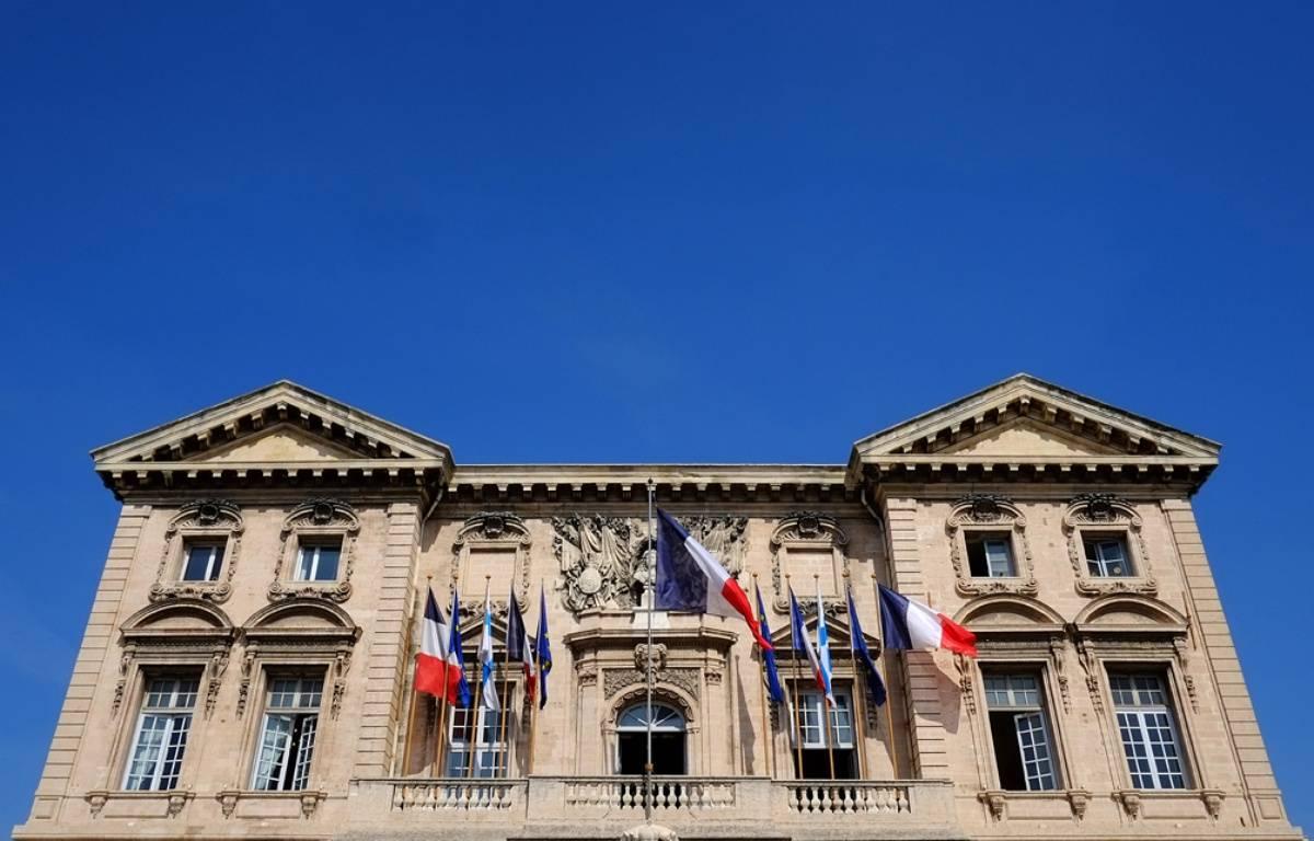 La façade de la mairie de Marseille, en mars 2014. – BORIS HORVAT / AFP