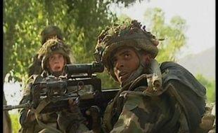 Dix soldats français ont été tués lundi en Afghanistan, dans une embuscade menée par une centaine d'insurgés talibans.