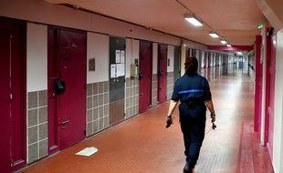 Photo d'illustration d'une gardienne de prison à la maison d'arrêt de Grenoble-Varces, ici en 2018.