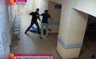 Les images montrant une infirmière présentée comme française,  agressée par un homme soi-disant étranger, ont en réalité été filmées en Russie…
