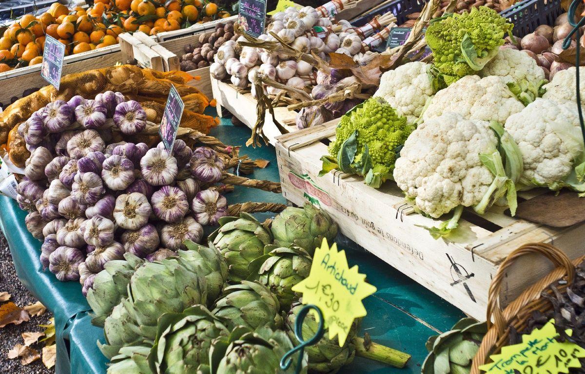 Illustration de légumes d'automne sur un marché. – XAVIER FRANCOLON/SIPA