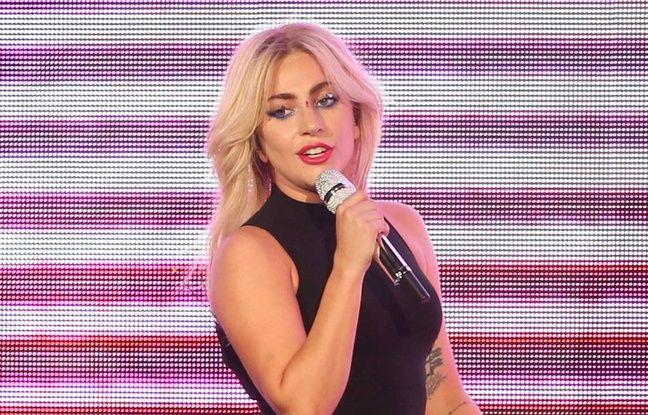 La chanteuse Lady Gaga sur la scène de Coachella