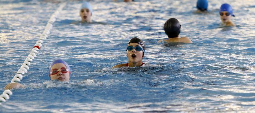 Des enfants lors d'un cours de natation, à Lille, en 2012 (illustration).