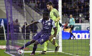 L'attaquant du TFC Odsonne Edouard après son but contre Metz, le 19 novembre 2016 en Ligue 1, au Stadium de Toulouse.