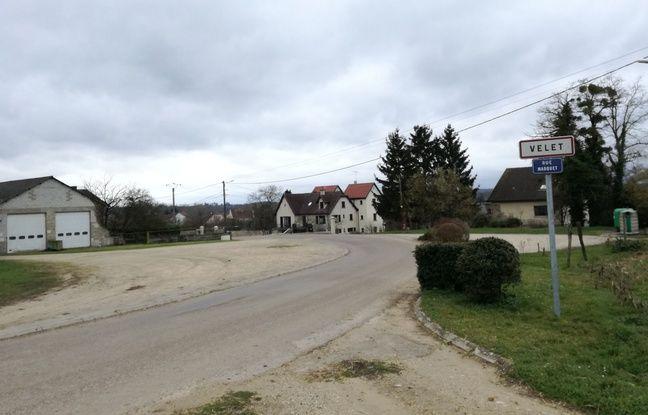 A Velet, dans la commune où Jonathann Daval a grandi, c'est aussi l'incompréhension, pour le maire comme pour les habitants.