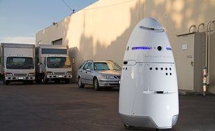 Une ONG de défense des animaux utilise le robot Knightscope pour chasser les SDF de son quartier.