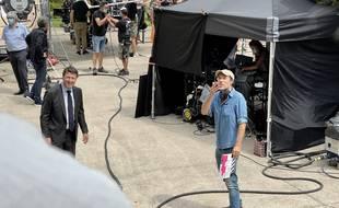 Christian Estrosi et Nicolas Bedos, le jeudi 10 juin 2021, sur le tournage de Mascarade