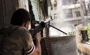 """Après un entretien dimanche à Damas avec le président Bachar al-Assad, l'émissaire de l'ONU et de la Ligue arabe Lakhdar Brahimi a appelé les belligérants à cesser """"unilatéralement"""" le feu """"à partir d'aujourd'hui ou de demain"""" pour la fête musulmane d'Al-Adha célébrée du 26 au 29 octobre."""