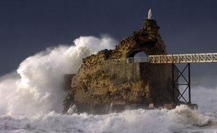Un matelot bulgare est tombé jeudi du pétrolier  à 270 km au sud-ouest de la pointe de Penmarc'h (Finistère).