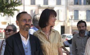Robert Ménard et Valérie Laupies en campagne à Tarascon