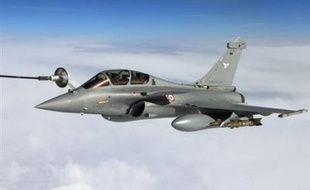 Le pilote du Rafale qui s'est écrasé jeudi en fin d'après-midi en Corrèze, est décédé, a-t-on appris vendredi auprès de la préfecture de Tulle.
