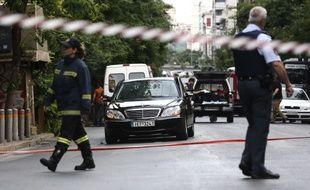 L'ex-Premier grec Lucas Papademos a été blessé jeudi dans l'explosion d'un engin dans sa voiture à Athènes.