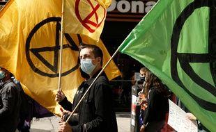 Un manifestant du groupe Extinction Rébellion, qui milite pour le climat, en septembre 2020 à New York.