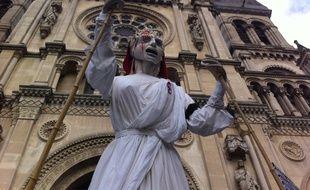 La marionette de la République dans le cortège du 11 janvier 2015