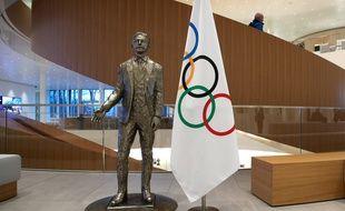 Une statue de Pierre de Coubertin au siège du Comité International Olympique à Lausanne.