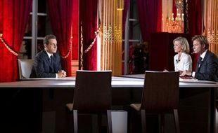 L'intervention de Nicolas Sarkozy à la télévision dimanche soir a attiré 16,568 millions de téléspecteurs cumulés sur les six chaînes qui la retransmettaient, a indiqué lundi l'institut Médiamétrie.