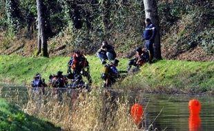 """Le lendemain, le parquet de Morlaix avait ouvert une enquête pour """"disparition inquiétante"""", tandis que la gendarmerie explorait les environs de Carhaix et notamment les cours d'eaux et les étangs."""