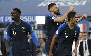Pogba, Giroud et Varane au coup de sifflet finale de la demi-finale France-Belgique, le 10 juillet 2018.