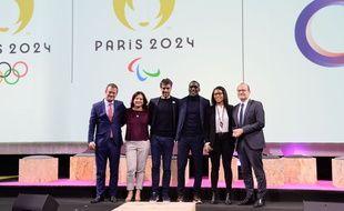Tony Estanguet, président du Cojo 2024 (3e g.) et Roxana Maracineanu, ministre des Sports (2e g.) lors de la première Global Sports Week à Paris, le 6 février 2020.