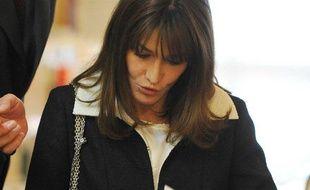 Carla Bruni-Sarkozy lors d'une visite à l'Institut française de Madrid, le 28 avril 2009