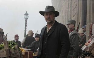 Russell Crowe, acteur et réalisateur dans La promesse d'une vie