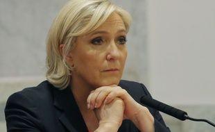 Marine Le Pen lors d'une conférence de presse avec Nicolas Dupont-Aignan à Paris, le 29 avril 2017.