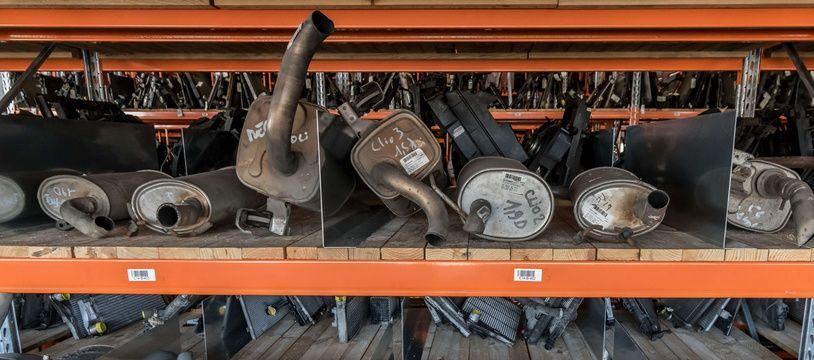 Les pots d'échappement catalytiques sont prisés par les voleurs pour les métaux précieux qu'ils contiennent.