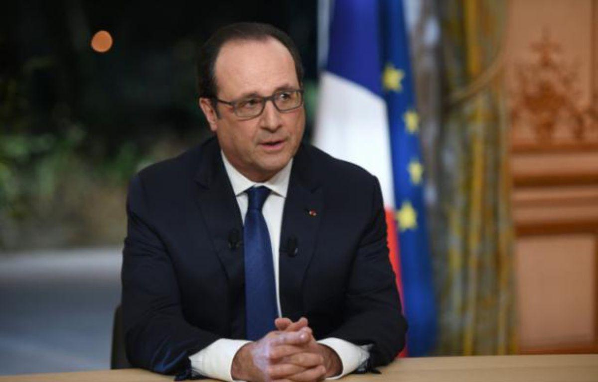 Le président François Hollande, à l'Elysée, pendant un entretien avec TF1 et France 2, le 11 février 2016 – STEPHANE DE SAKUTIN POOL