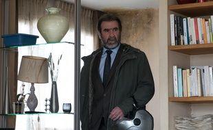 Eric Cantona campe Alain Delambre dans la série d'Arte « Dérapages » réalisée par Ziad Doueiri.